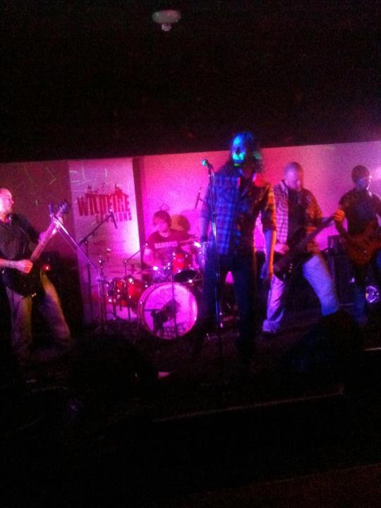 resin @ jaspers bar, kettering